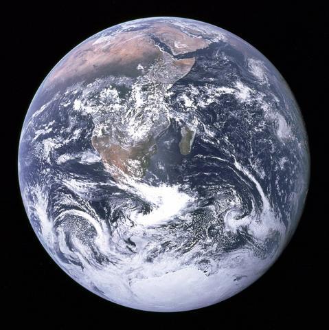 국제 공동연구팀이 소행서 운석 데이터를 토대로 태양계 생성 과정에서 지구 연대표를 새롭게 작성해 발표했다. 새 연대표에 따르면 지구의 나이는 44억8000년만 년이다. ⓒNASA