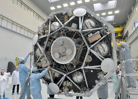 카자초크 착륙선의 무게는 828kg으로 큐리오시티 로버와 비슷하다. 여기에 310kg 중량의 프랭클린 로버를 탑재한다. © Roscosmos