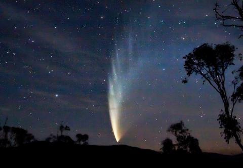 2007년 호주에서 찍은 혜성C/2006 P1  ⓒ 위키피디아