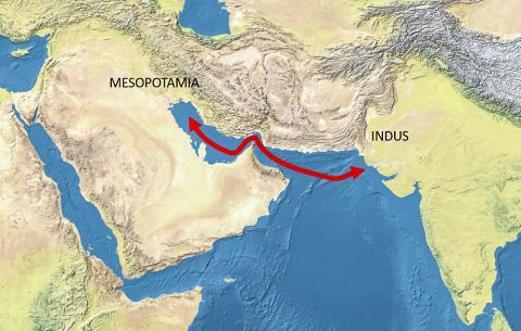 고고학적 발굴에 따르면 인더스 문명 지역과 메소포타미아 지역 간에는 이미 기원 전 3000년 경에 활발한 무역로가 열려 인더스-메소포타미아 관계가 발전한 것으로 알려진다.  Credit: Wikimedia / Natural Earth