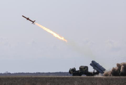 순항 미사일의 발사 장면. 원자력 추진 체계를 탑재하면 순항 미사일의 사거리를 거의 무한정으로 늘릴 수 있다. ⒸWikipedia