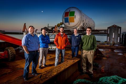 해저에 데이터 센터를 설치해 냉각 비용을 획기적으로 줄인다는, 마이크로소프트의 나티크 프로젝트(projet natick)는 대표적인 스케일업 사례 중 하나로 꼽힌다. ⓒ 마이크로소프트