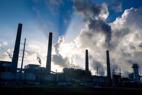 탄소를 매장하는 대신 그것을 자원으로 활용하는 탄소자원화 기술(CCU)이 2030년에 약 1조 달러 시장의 유망 산업이 될 것이라는 주장이 나왔다. ⓒ Free photo