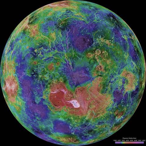 그동안 금성 탐사를 통해 이미지를 종합한 금성의 모습. 표면 온도가 섭씨 450~500도에 달해 매우 어려웠지만 최근 기술발전으로 열 차단이 가능해지면서 금성 탐사계획을 서둘러야 한다는 주장이 제기되고 있다. ⓒ NASA