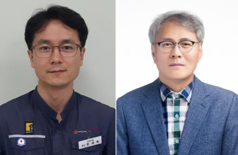 대한민국 엔지니어상 10월 수상자 한재혁 한화토탈 수석연구원(왼쪽)과 김준섭 피엔티 대표이사 ⓒ 과학기술정보통신부