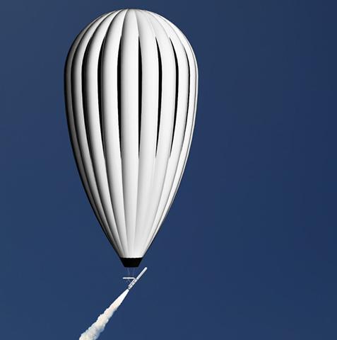 레오 에어로스페이스는 18km 고도에서 소형 로켓을 발사하는 시스템을 개발 중이다. © Leo Aerospace