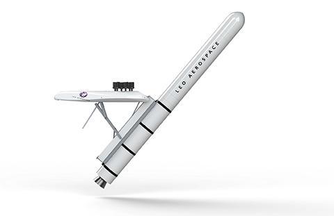 길이 10m, 무게 3.5톤의 완성형 로켓은 25kg의 페이로드를 550km 궤도로 보낼 수 있다. © Leo Aerospace