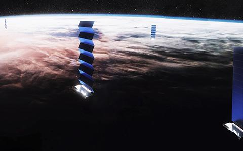 스타링크 저궤도 통신위성. © SpaceX