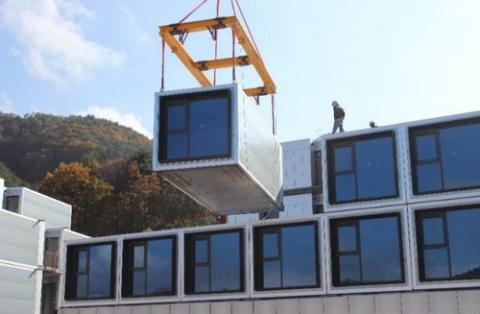 프리패브는 저렴하면서도 신속하게 건물을 지을 수 있는 조립식 공법이다 ⓒ 아주대학교