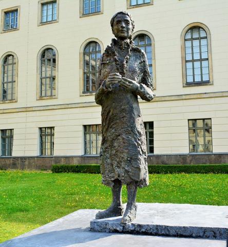 독일 훔볼트 대학에 세워진 리제 마이트너 동상 Ⓒ 위키피디아