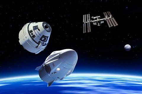 보잉 스타라이너, 스페이스X 크루 드래곤은 2020년부터 ISS 승무원 운송에 나설 예정이다. © NASA