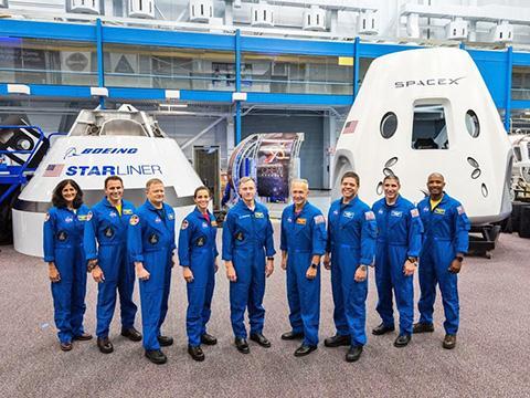민간 우주선을 타고 ISS로 향할 우주비행사들. © NASA