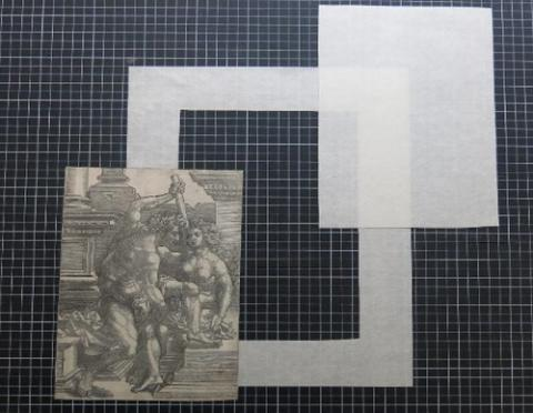 데빠쌍 시스템은 종이로 만든 틀과 작품을 잇는 연결 밴드로 이루어져 있다  ⓒ Louvre Museum