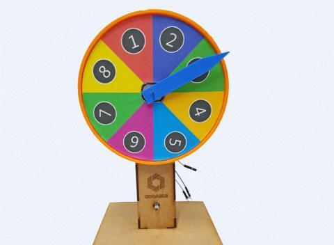 모터의 원리를 이해하고 제작하게 해주는 '디지털 룰렛 게임기'.