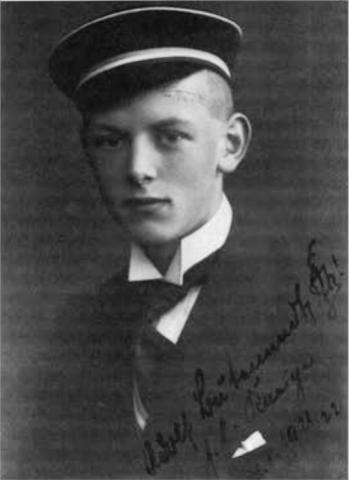 성호르몬에 대한 다양한 연구로 1939년 노벨 화학상을 수상한 아돌프 부테난트의 학창 시절 모습. ⓒ public domain