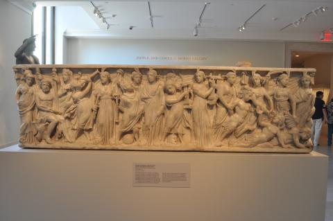 사이렌을 물리치는 뮤즈로 장식된 석관. 뮤즈는 기억의 의미가 있다. 뉴욕 메트로박물관.  ⓒ 박지욱