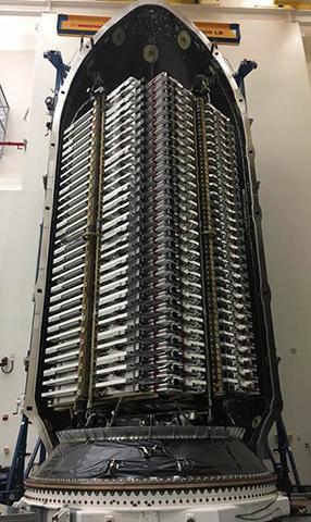 스페이스X는 이미 승인받은 1만 2000대 외에 3만 대의 스타링크 위성 발사 허가를 FCC에 신청했다. © SpaceX