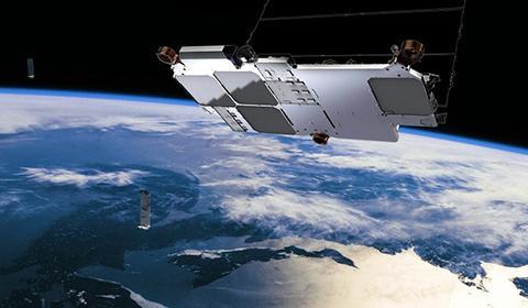 궤도를 돌고 있는 스타링크 위성 상상도. © SpaceX / Teslarati