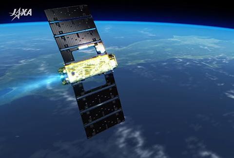 이온엔진의 추진력으로 궤도를 유지하는 츠바메 위성 상상도. © JAXA