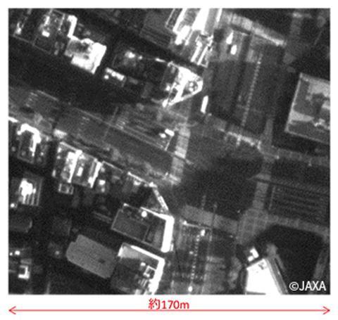 같은 카메라로 181km 고도에서 동일 장소를 촬영한 사진. © JAXA