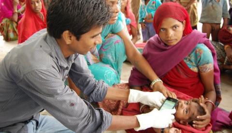 쿠시베이비는 아기들의 개별 건강기록부 역할을 하도록 설계되었다 ⓒ UNICEF