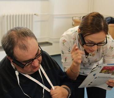 시각 장애인을 돕는 4차 산업혁명 기술