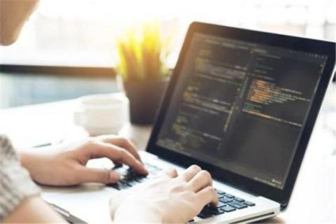 우리나라는 2018년부터 초·중·고교에서 소프트웨어교육(코딩교육)이 의무화됨에 따라 코딩교육에 대한 관심이 높아지고 있다.  ⓒ 게티이미지