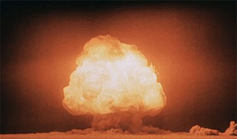 '맨해튼 프로젝트'라는 암호명으로 불린 원자폭탄 실험 장면. 올해는 최초의 원폭 실험이 있은지 75주년이 되는 해다. ⓒWikipedia