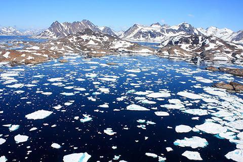 녹고 있는 그린란드 빙하. © Christine Zenino